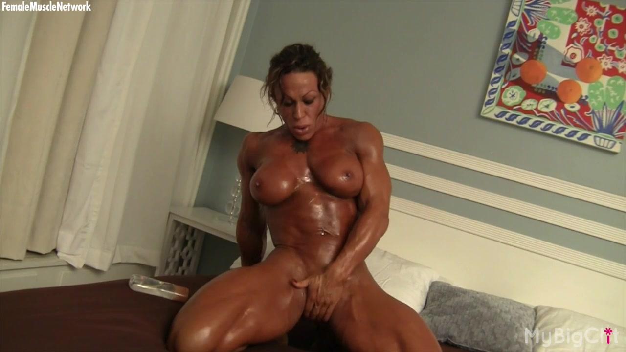 Girlfriend nude retro talking dirty