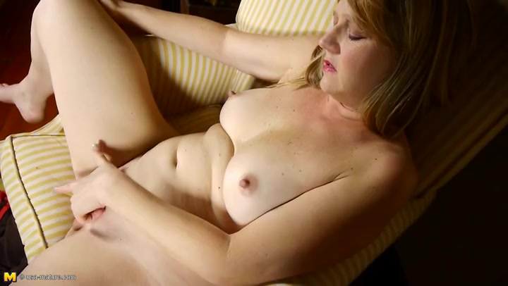 Blonde Hairy Pussy Solo