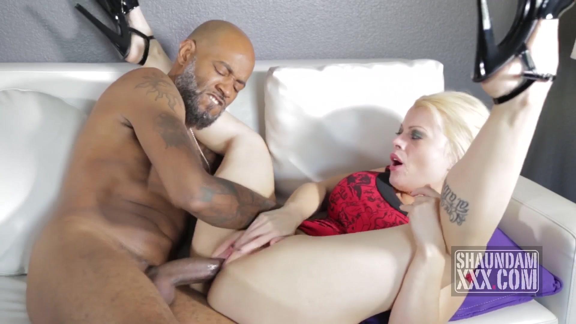Питере трахаются большой вилли порно создание