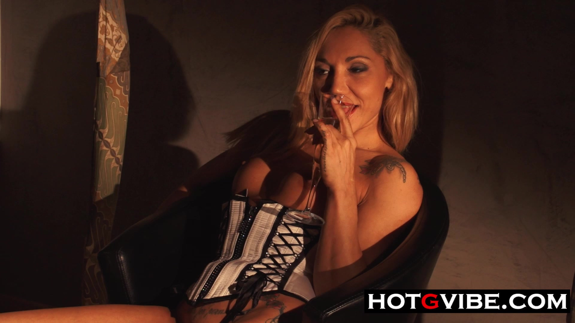 Watching TV Hot Babe Squirts 2