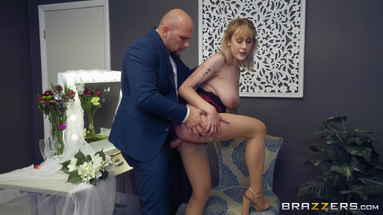 Bridesmaid gets good dick on the wedding day
