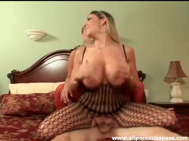 Amateur Curvy Blonde Milf Anal